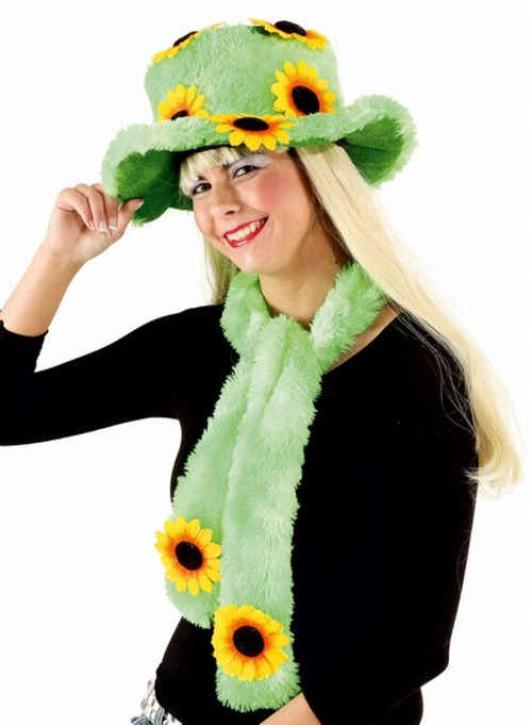 Grüner Hut mit Schal