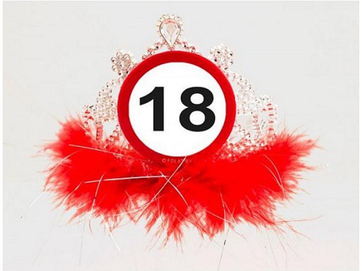 Tiara Verkehrschild 18