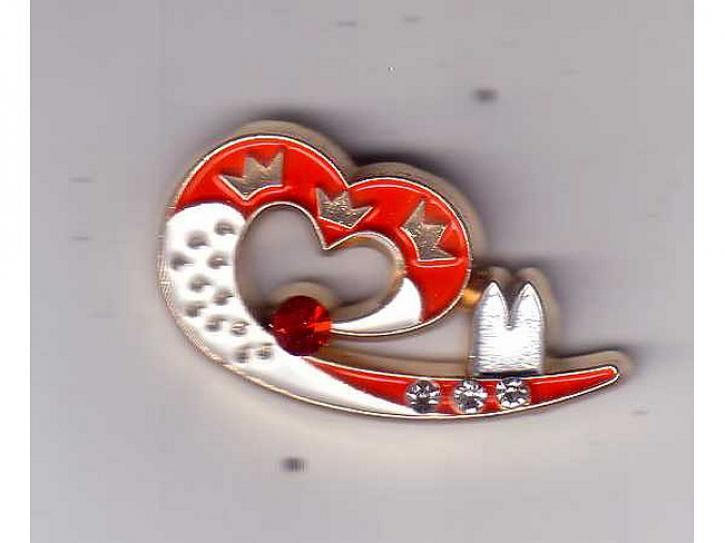 Brosche Pin Herz mit Dom
